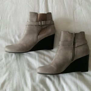 Gray Wedge heel Bootie